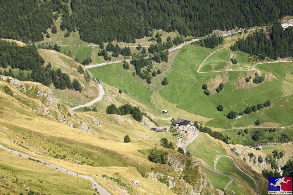Blick vom Timmelsjoch zurück ins Tal