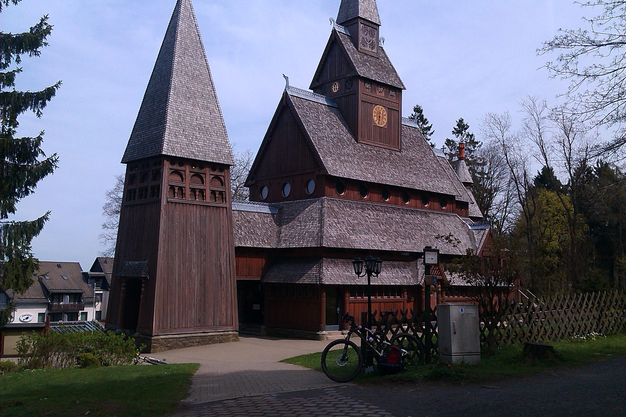 Die Stabholzkirche in Hahnenklee. Ein Muß wenn man schon mal in der Gegend ist.